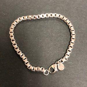 Like New Tiffany Venetian link bracelet